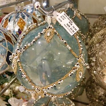 blue-bauble